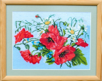 cross-stitch embroidery poppies with daisies