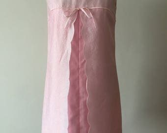 Cute and flirty 60s pink party dress