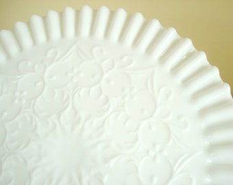 Fenton Spanish Lace cake stand, white milk glass, wedding cake plate, bridal shower gift, dessert stand, mid-century footed pedestal stand