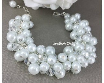 Bridesmaid Jewelry Cluster Bracelet Bridesmaid Gift White Pearl Bracelet Gift Idea Wedding Jewelry Gift for Bride Maid of Honor Gift