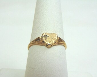 Womens Vintage Estate 10K Yellow Gold Heart Ring 1.5g E3585