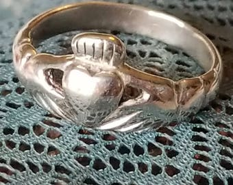 Sterling Silver Claddagh Ring (st - 2159)