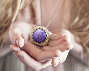 Purple locket, Mothers day gift locket, Ranunculus necklase, Gift for mom, Boho Photo pendant, Purple flower necklace, Photo locket necklace