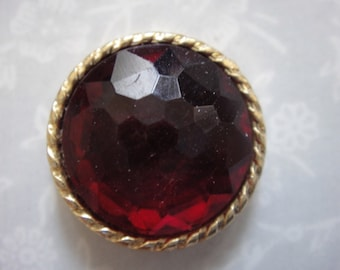 2 Small Round Buttons - Gem Buttons - in Red