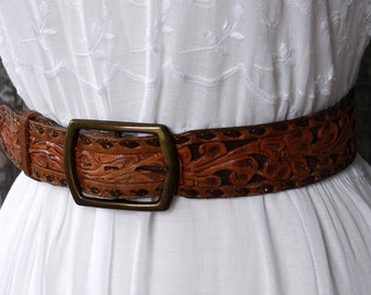 vintage 1970s tooled leather belt <> 70s handtooled leather 2-tone belt <> wide leather belt with detachable brass buckle