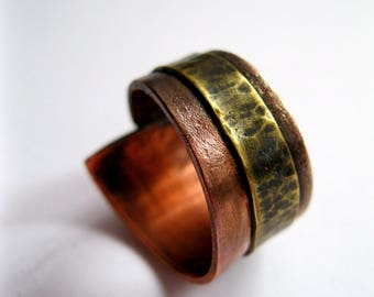 Hammered Rustic copper and brass Rin. Rustic ring.