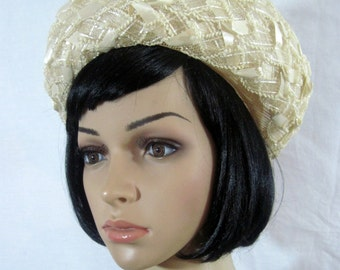1954's CREAM LACE HAT size 22 inches Rolled Brim
