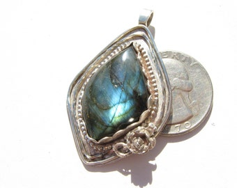 Labradorite and sterling silver pendant, Labradorite Pendant, Spectrolite necklace