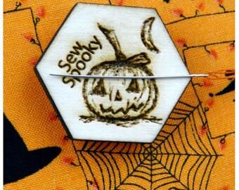 Halloween Pumpkin Magnetic Needle Minder - Designed by Selina Hudson