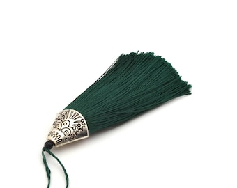 Green tassel with Silver Cup 8 cm
