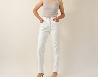 Vintage 90s Jeans, 90s White Jeans, 90s Mom Jeans, High Waisted Jeans, High Rise Jeans, Tapered Leg Jeans, 90s Minimal Jeans Size 3 / 4