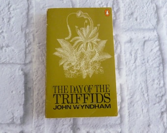 Vintage Book The Day of The Triffids by John Wyndham  1974 Edition, Penguin Publishing