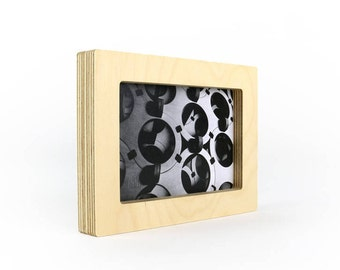 """Picture frames, 4"""" x 6"""""""
