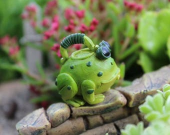 """Miniature Watering Can, Green Ribbit the Frog Water Can 1"""" tall"""