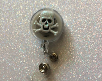 Retractable skull badge holder retractable badge holder