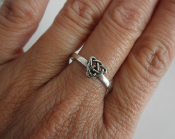 Celtic knot ring sterling silver - eternity knot ring - endless knot sterling ring - 925 solid sterling silver ring