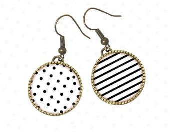 Gift teen dots and stripes as cabochons, perfect summer earrings. R96