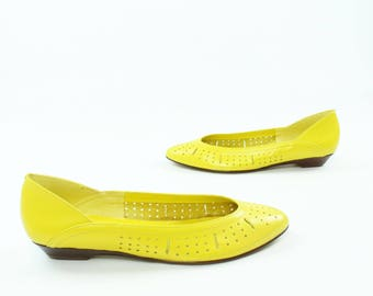 80s Yellow Leather Ballet Flats Slip On Shoes Vintage 1980s Womens Size 8 1/2 N Calico