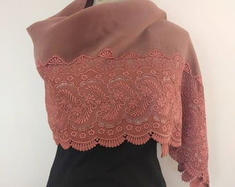 Mauve rose colored velvet and lace kimono shawl wrap - vintage