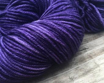 The King's Cloak Hand Dyed Dark Purple Worsted Weight Yarn Hand Painted yarn 218 yards Superwash Merino Wool Royal Purple Amethyst swm