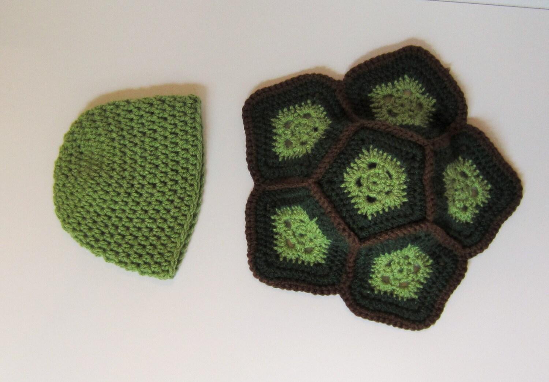 Handarbeit häkeln Schildkrötenpanzer und Mütze für Neugeborene