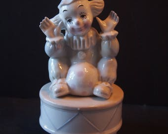1991 Summit Collection Clown Music Box