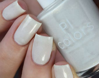 Aurum Dust.096 Nail Polish White with Gold Flakes