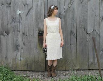Lemon Meringue Dress - 50s pale yellow and white eyelet wiggle dress, small