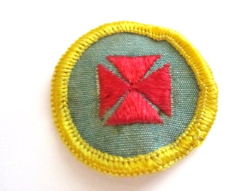 """Vintage Cadette Girl Scout Badge """"1st Aid"""" circa 1963-CLEARANCE!"""