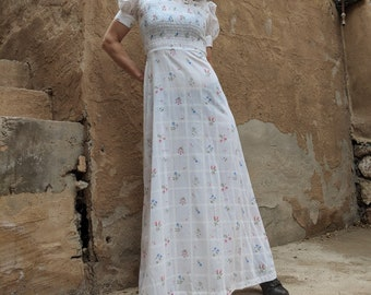 70s/80s white floral Young Edwardian maxi dress // smocked bodice /short puff sleeves /tie waist /zip back // boho, romantic, sweet, summer