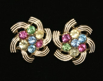 """Vintage Sarah Coventry Signed Rhinestone Gold Tone Clip On Earrings - 1"""" Diameter"""