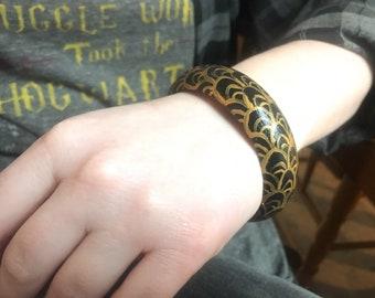 Black & Gold Waves Wooden Bracelet