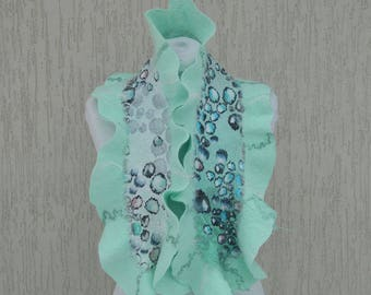 Mint green scarf. Felted scarf. Silk felt scarf with Bubbles. Felted collar
