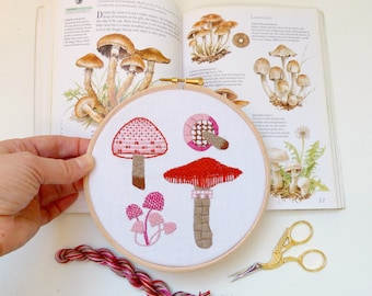 Mushroom Embroidery Kit. Stitch sampler. Nature lover. Embroidery tutorial. Hoop Art. Mycology. Fungi Art. DIY gift.  Home decor. Craft Kit