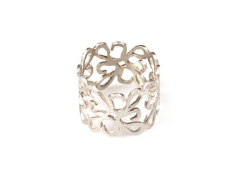 Silver Band Ring, Silver Filigree Ring, Flowers Ring, Silver Boho Ring, Wide Silver Ring, Sterling Silver Ring.