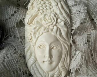 The Eagle Spirit Pendant Hand-craft Made of Ox Bone