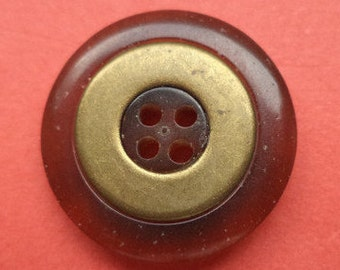 12 Brown buttons 20mm (5648)