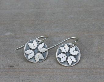 Knit snowflake pattern fine silver earrings