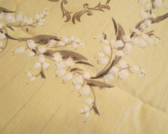 """Vintage Yellow and Floral tablecloth Oblong 48 x 62"""" / Reto Tablecloth / Mid Century Tablecloth / Cotton Tablecloth / Pastel Yellow"""