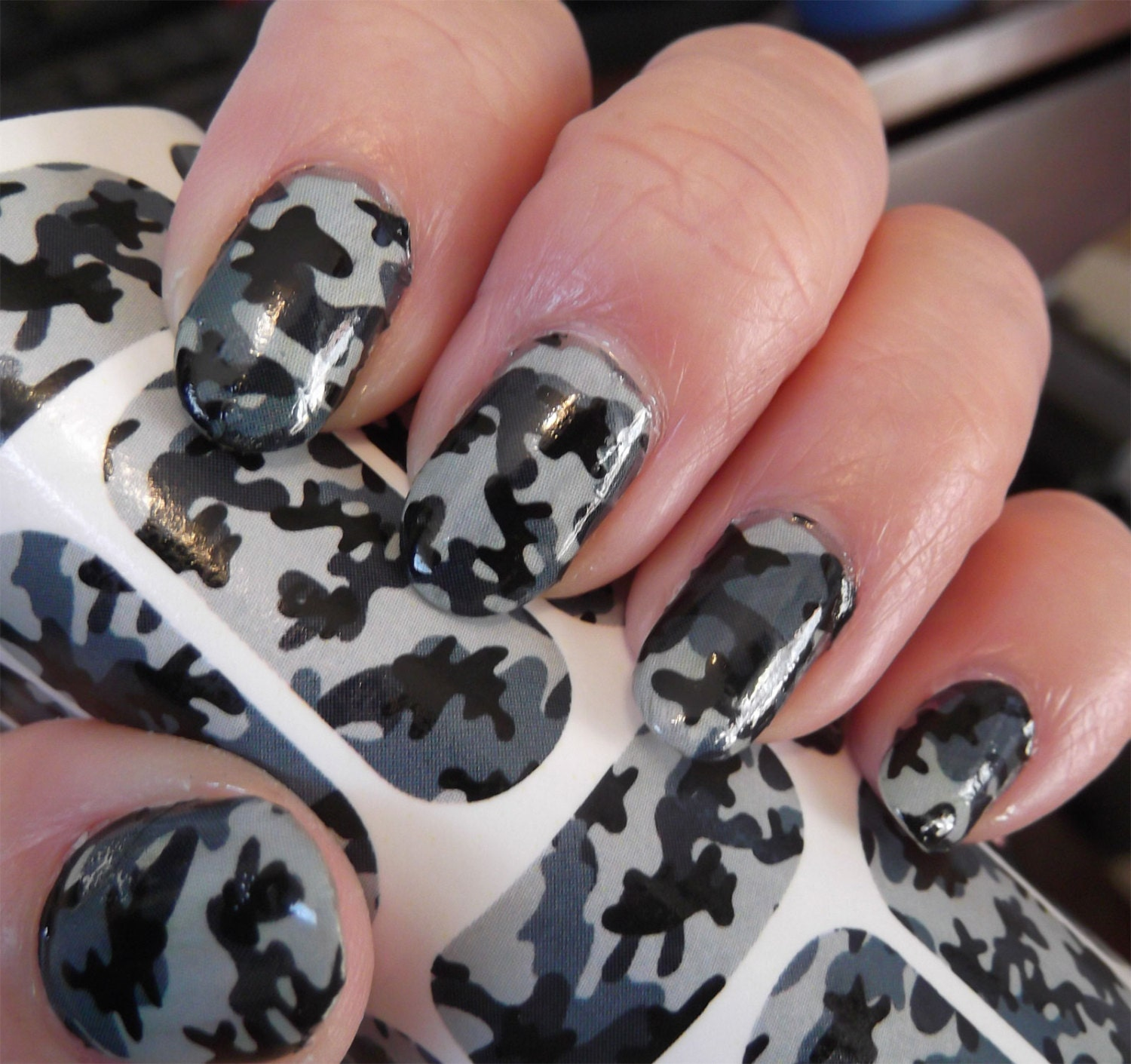 🔎zoom - ON SALE GREY Camo Nail Art Camouflage Nail Art Army Girl
