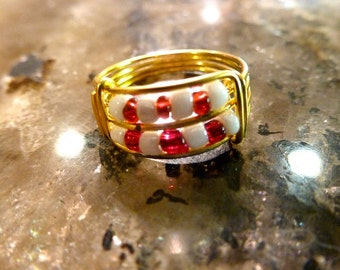 Cute Red and White Gold Wire Beaded Ring