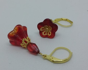 Glass flower earrings, red earrings, summer earrings, gold earrings, bridesmaid gift, gift for daughter, red dangle earrings, cthemoon