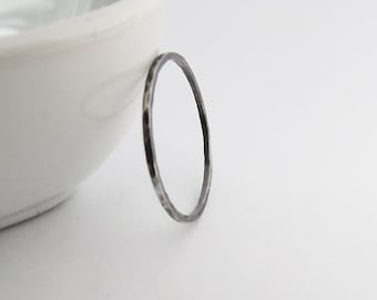 Thin Oxidized Ring, Super Stacking Ring, Hammered 1 mm Ring, Thin Oxidized Ring, 925 sterling Silver Ring, Dainty Ring, Simple Stack Ring