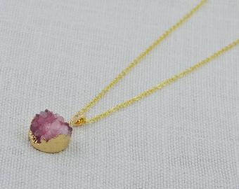 Druzy Pink Necklace, Raw Stone Necklace, Pink Gemstone Jewelry, Druzy Jewellery, Gemstone Necklace, Pink Druzy Pendant, Round Druzy Stone