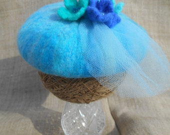 Blue felted beret, shades of blue newborn hat, blue toque, felt flowers, felt toque, baby toque with veil, baby beret photo prop
