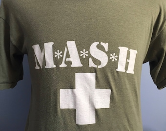 80s Vintage MASH 4077th Army Green 1981 tv show promo T-Shirt - MEDIUM