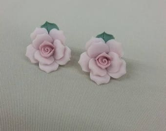 Glass pink rose clip on earrings