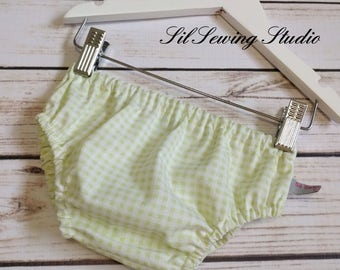 Gingham green baby diaper covers, gingham light green pastel color, baby bloomers Soft green 0-3months, 3-6months, 6-12months, 12-24m, 2t/3t
