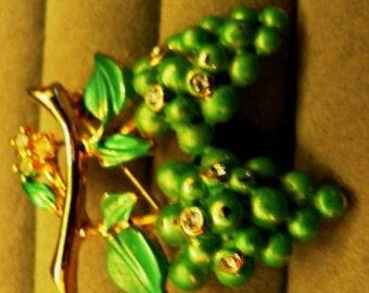 vintage jewels ...   JoJo signed FRUIT grapes BROOCH Pin in vintage paste stones   ...