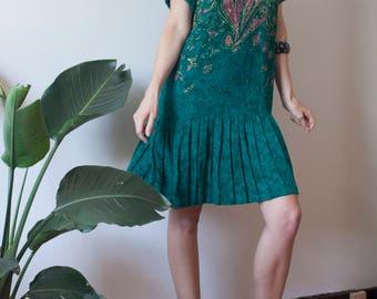 80s 90s Green Indian Print Rayon Dress w Pleated Skirt // Flapper-Style Dress sz M / L